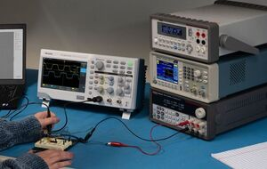 Oscilloscopio Tektronix TBS1000C in laboratorio didattico